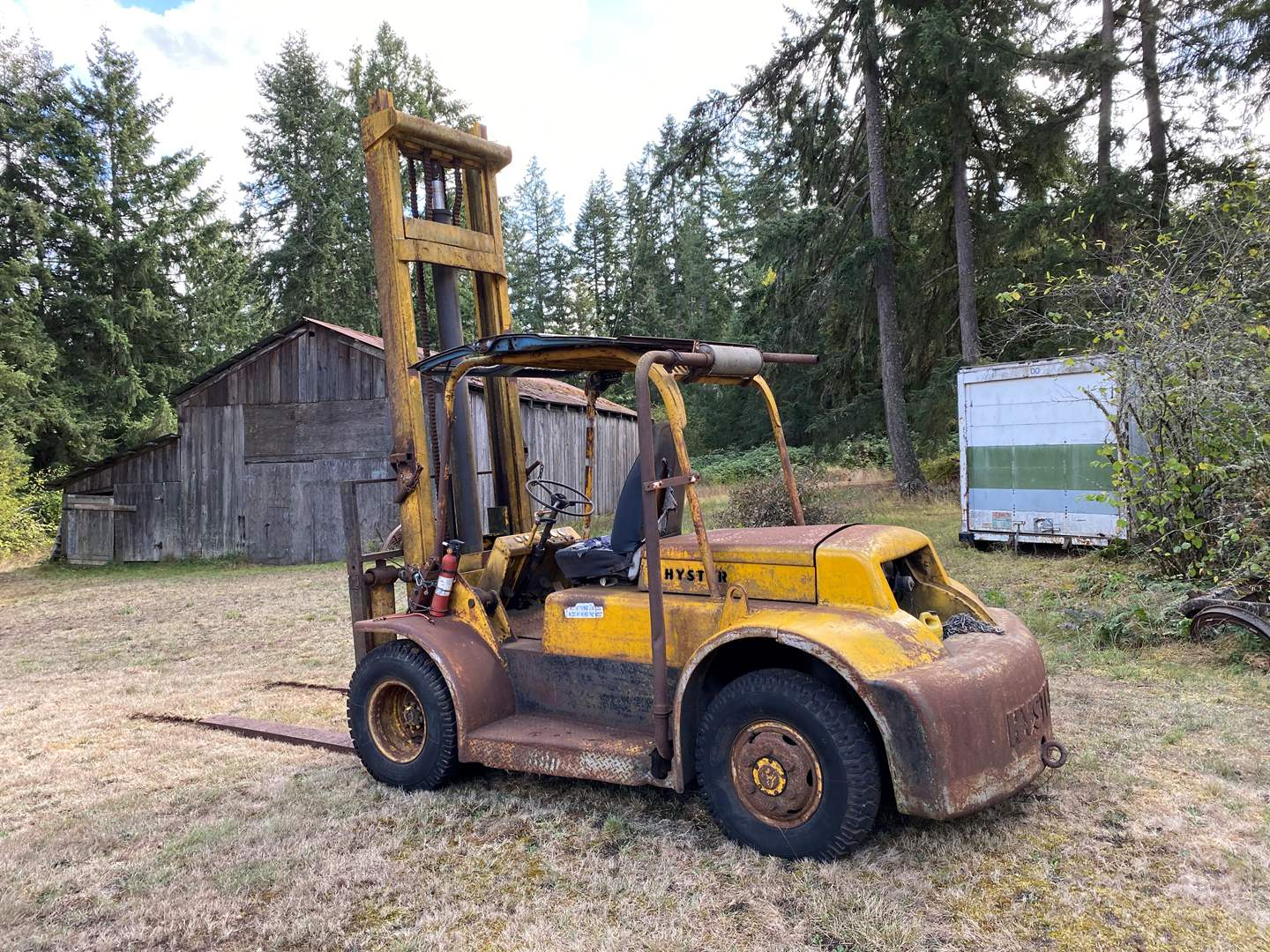 Lot # 296 - Old HYSTER Industrial Size Forklift  - (Works - See Video) (main image)