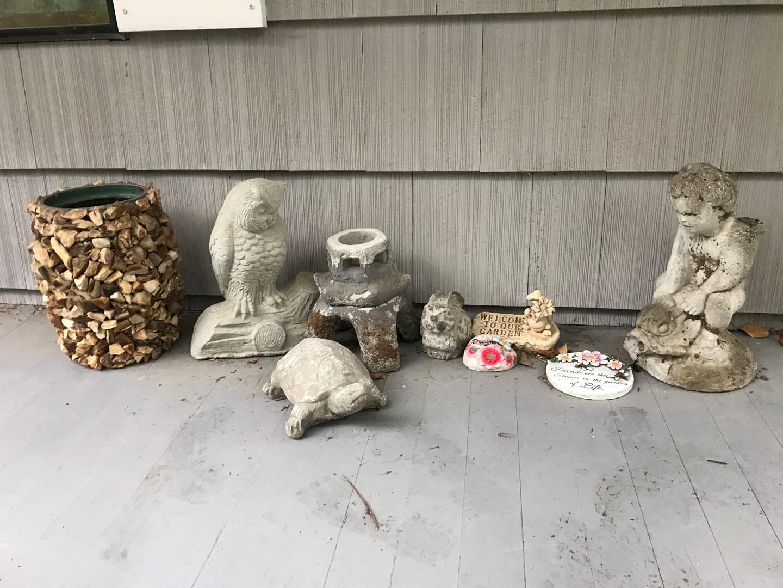Lot # 299 - Very Cute Yard Art: Cement Animals & Plater (main image)