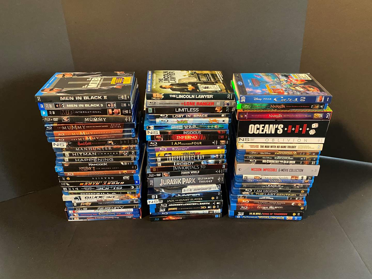 Lot # 24 - Great Collection of Blu-Ray DVD Movies - See Pictures for Titles (main image)