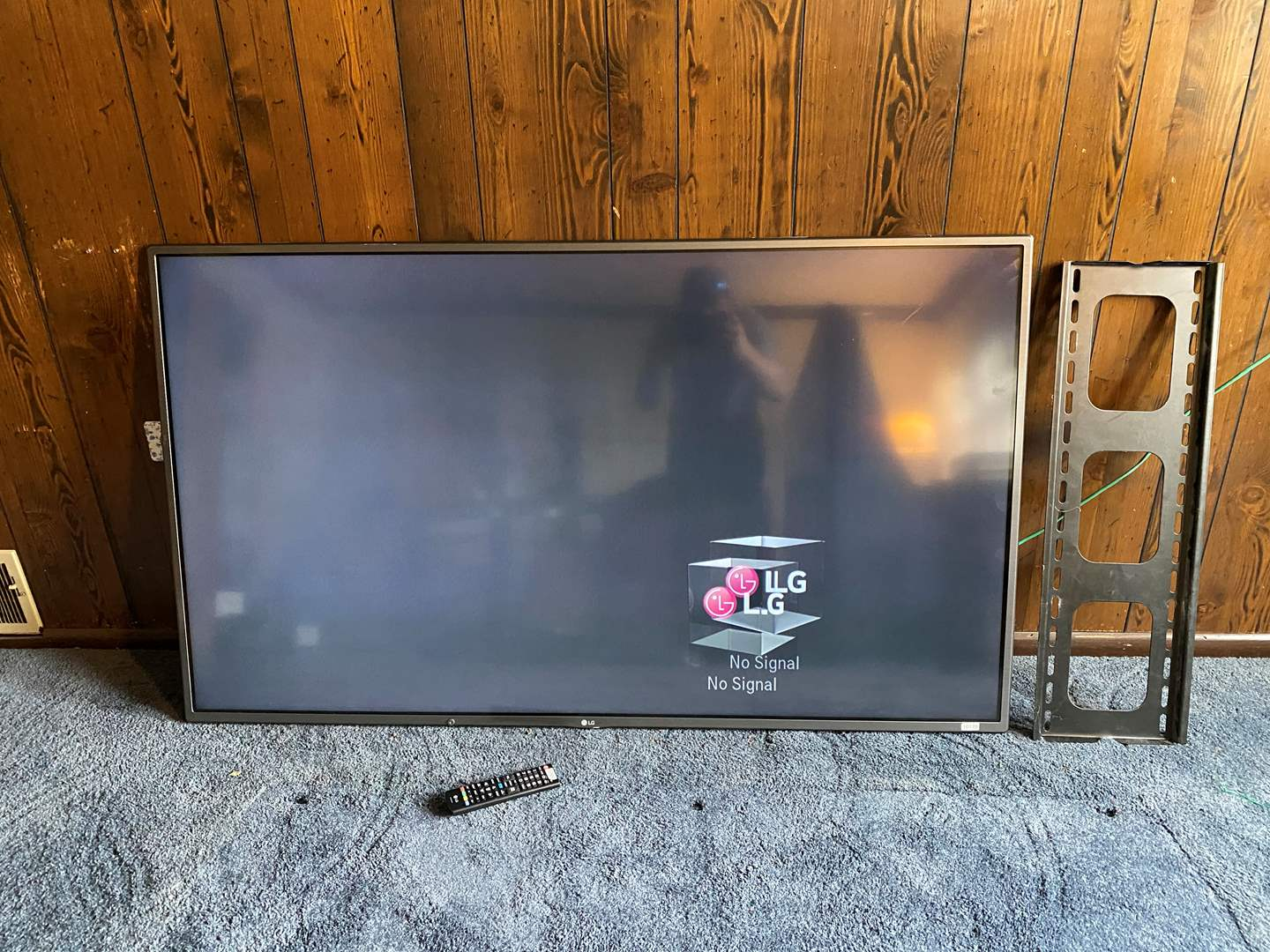"Lot # 41 - Nice LG 60"" Flat Screen Smart TV w/Wall Mount - Works (main image)"