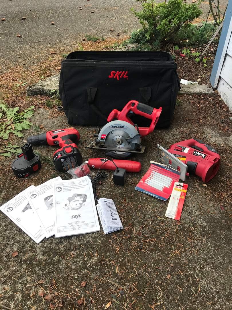 Lot # 150 - Skil Cordless Multi Tool Set (main image)