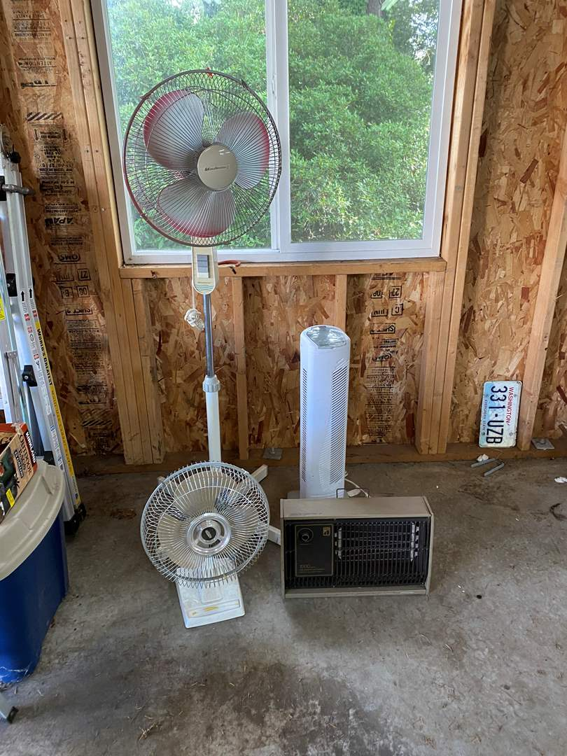 Lot # 193 - 3 Fans & A Heater - All Work (main image)