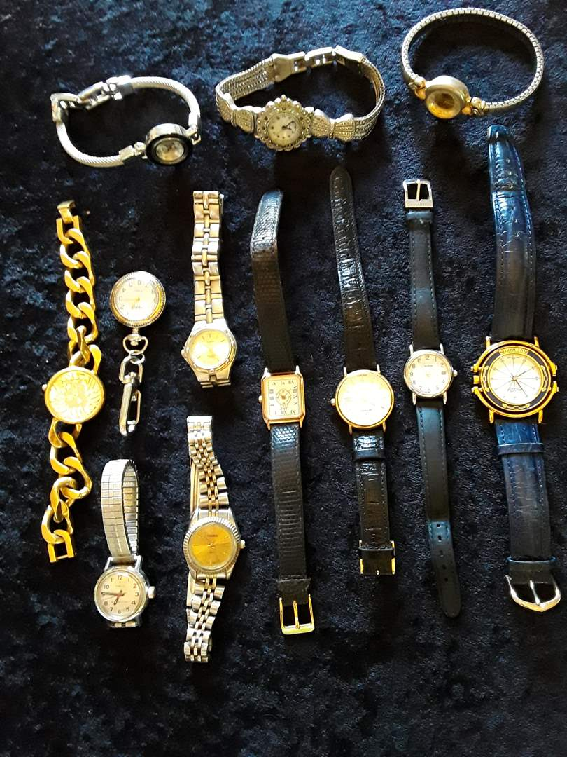 Lot # 80 - Lot of (15) Vintage Women's Watches (main image)