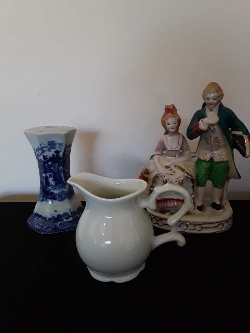 Lot # 43 - Lot of (3) Ceramic Pieces (main image)