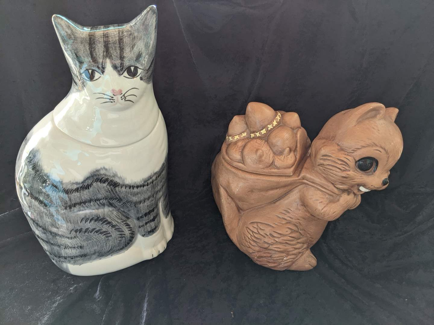 Lot # 17 - Collector Cookie Jars - (See Description for Details) (main image)
