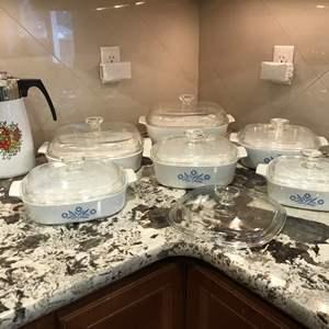 Lot # 51 - Beautiful Set of Corning Ware Baking Dishes of Various Sizes & Coffee Percolator