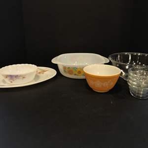 Lot # 52 - Vintage Baking Dishes: Pyrex, Dynasty, Schott & Gen