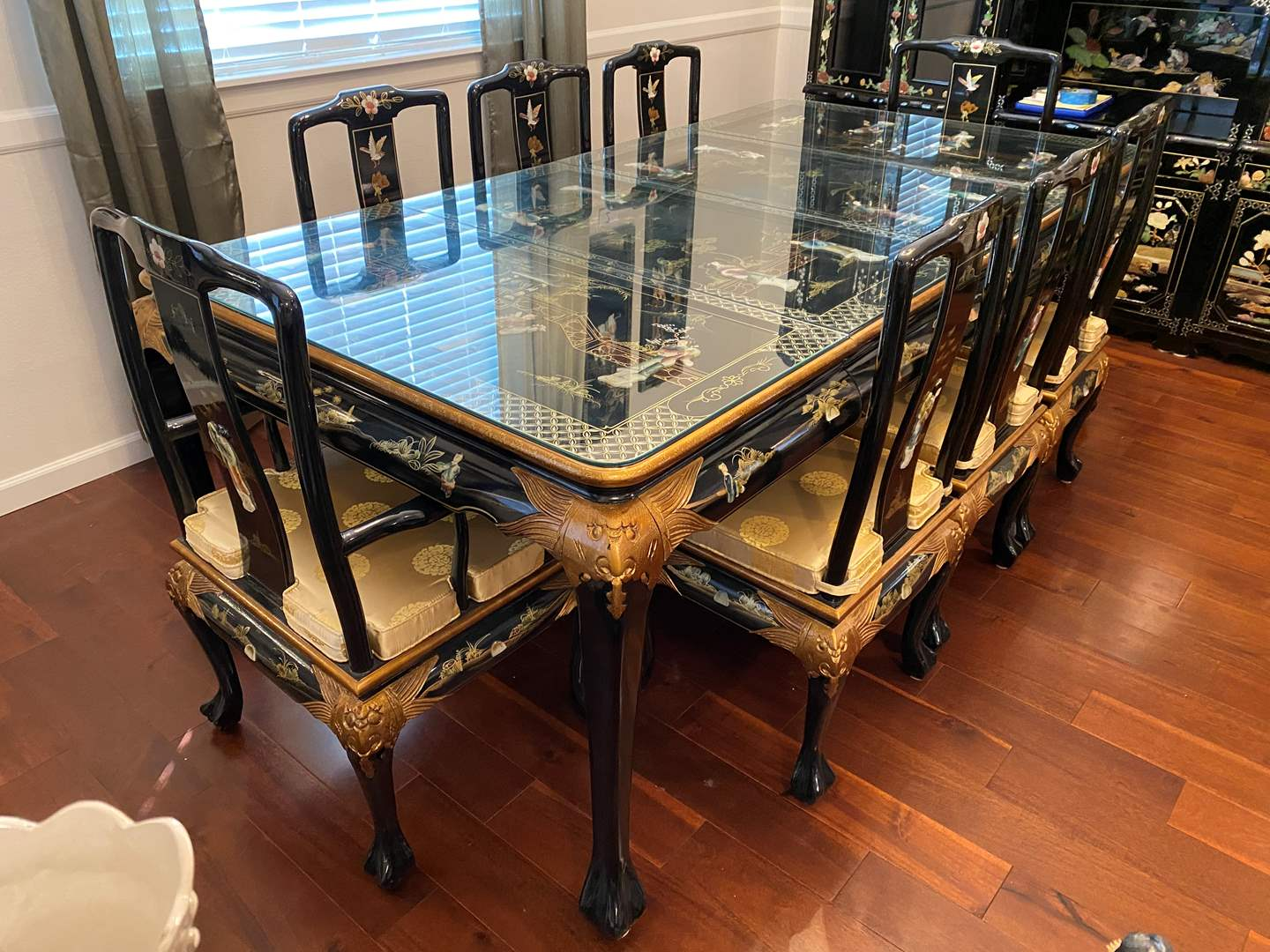 Lot # 6 - Beautiful Ornate Asian Black Lacquered Dining Room Table w/8 Chairs  & 2 Leaves (main image)
