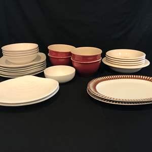 Lot # 60 - Bowls, Plates & Serving Dishes: Thomas, Royal Norfolk