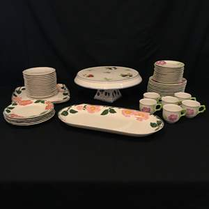 Lot # 64 - Misc. Villeroy & Boch Dinnerware & Serving Dishes