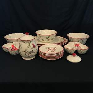 Lot # 71 - 18 Piece Set of Better Homes Heritage Collection Dinnerware