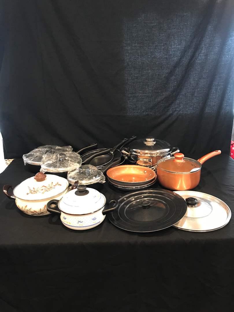 Lot # 77 - Nice Selection of Pots & Pans: Wherever, Gotham & Bella  (main image)
