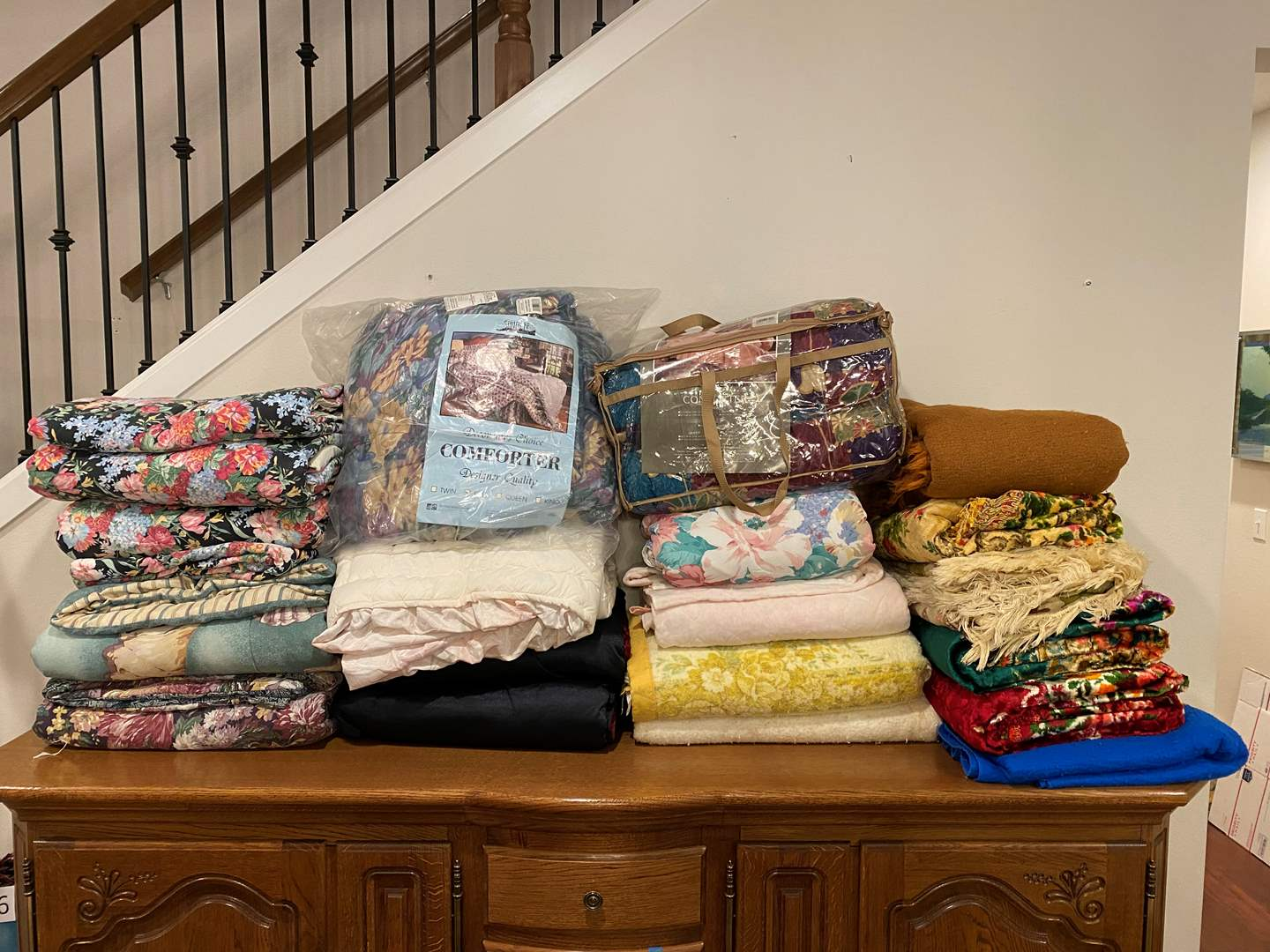 Lot # 134 - Large Selection of Italian Bed Covers, Comforters & Bed Spreads of Various Sizes - Some New (main image)