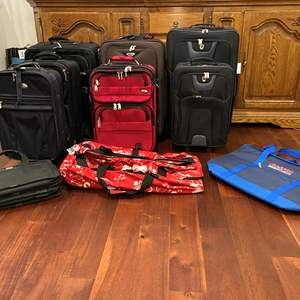 Lot # 141 - Large Selection of Suitcases & Bags: American Airlines, Dockers, Reve & More..