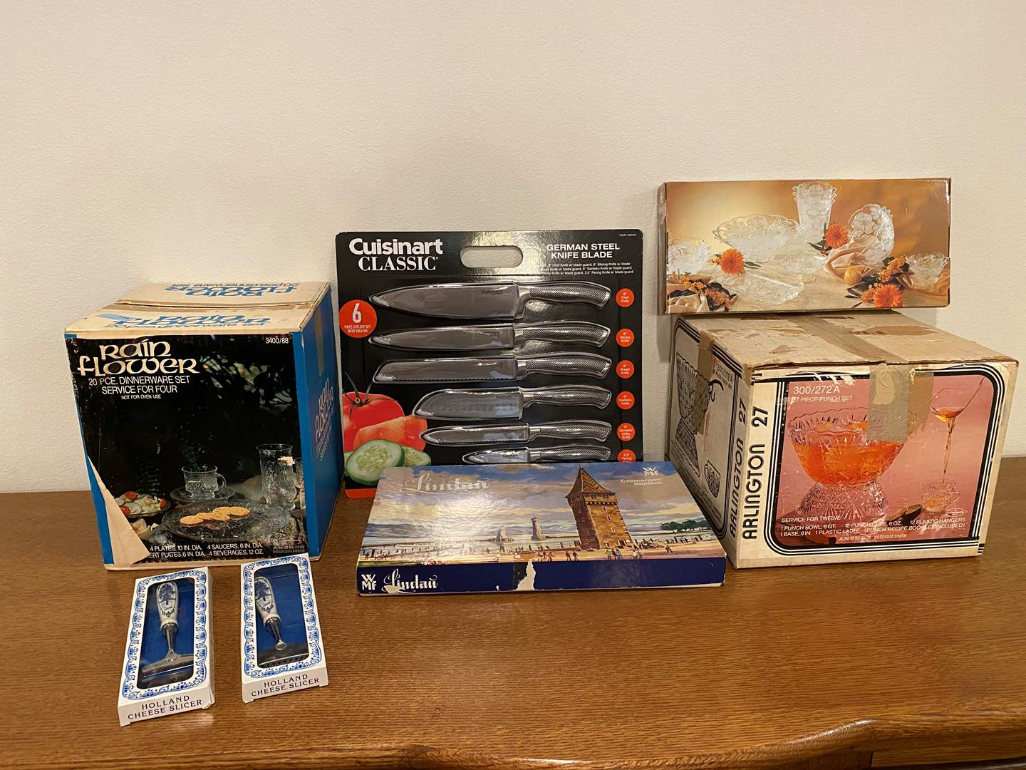 Lot # 147 - Nice Selection of New Kitchen Items - See Pictures (main image)