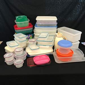 Lot # 96 - Large Plastic Food Storage Containers of Various Sizes, Snapware & Ziploc