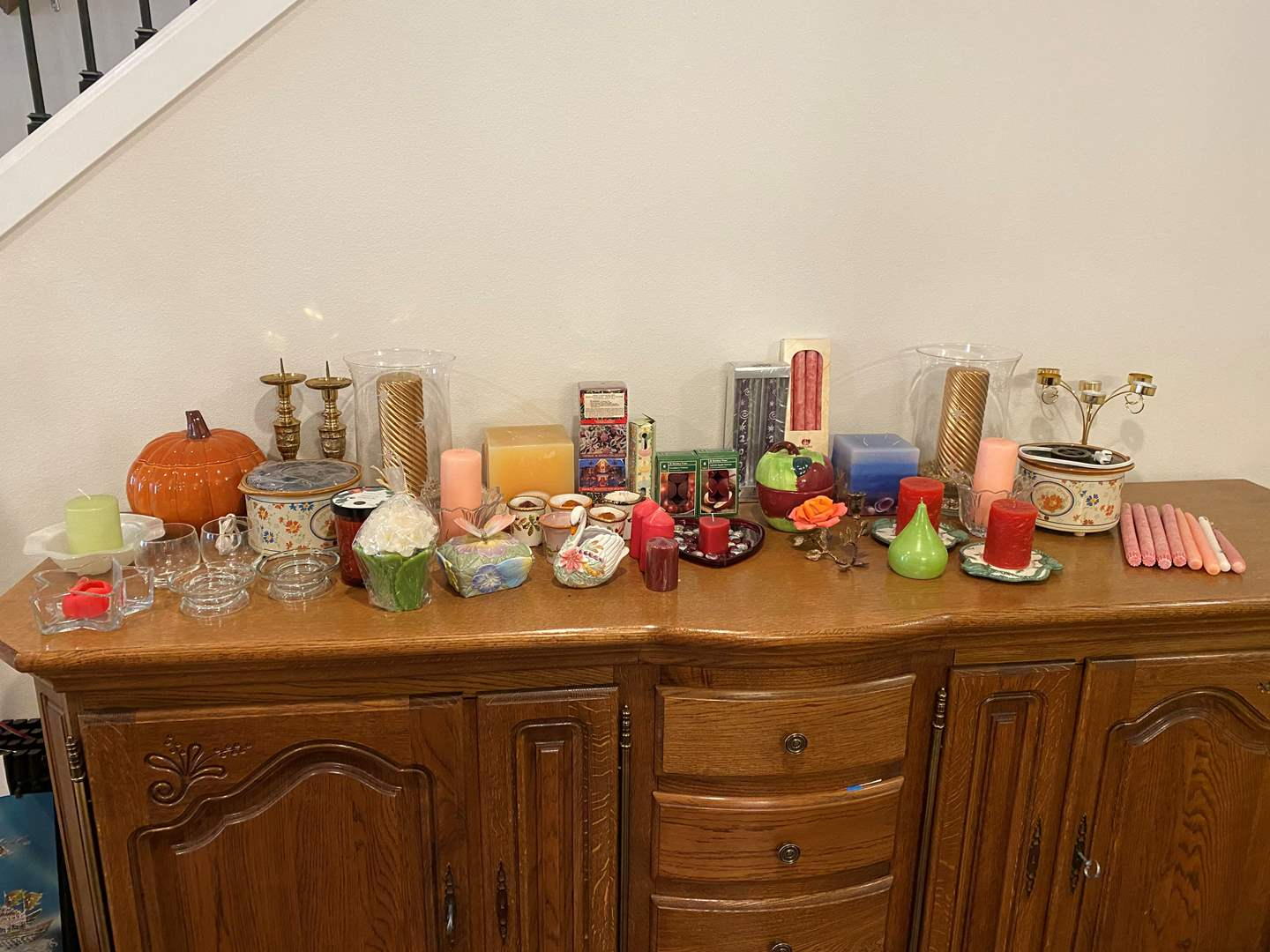 Lot # 154 - Nice Selection of Candles & Candle Holders (main image)
