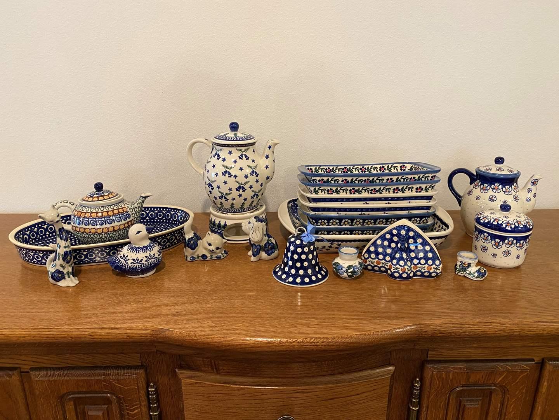 Lot # 157 - Twenty-Six Pieces of Polish Pottery: Wiza, Boleslawiec & More.. (main image)
