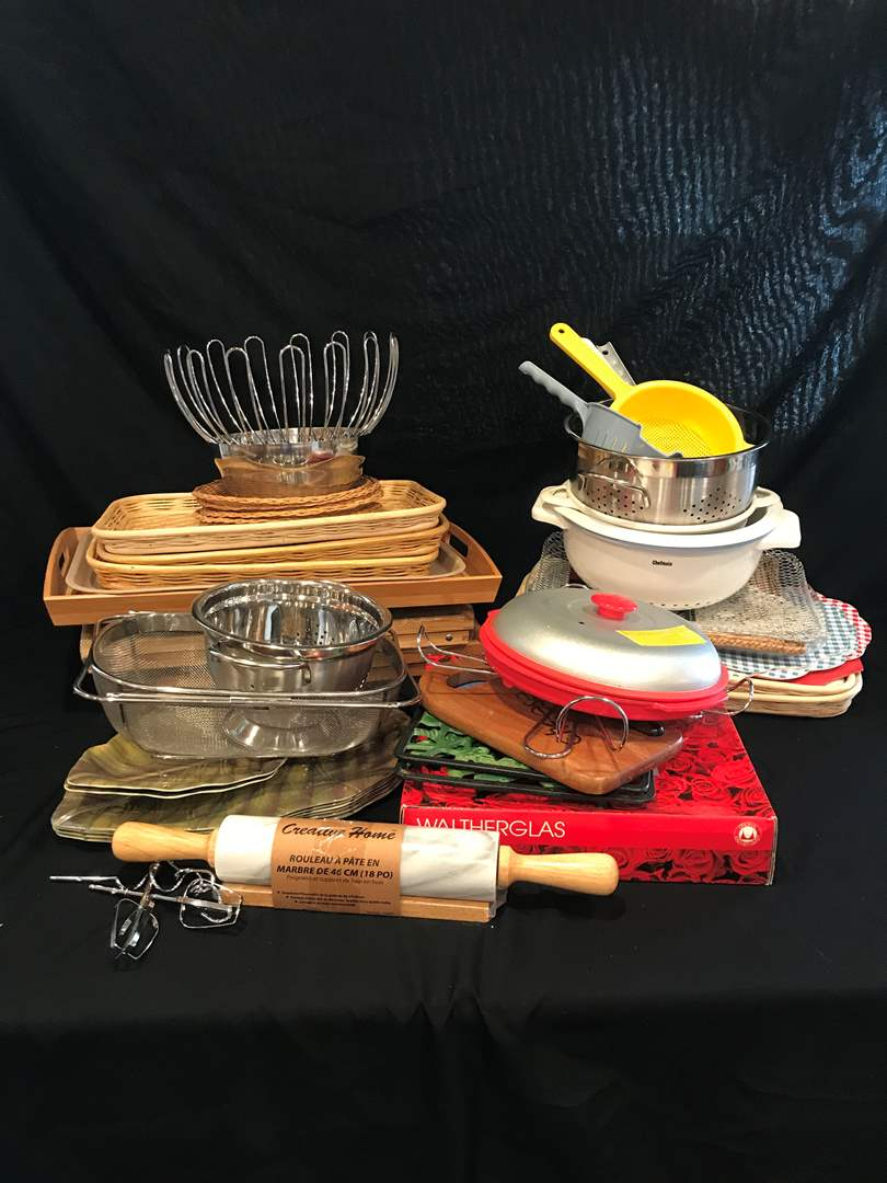 Lot # 214 - Misc. Selection of Trays, Strainers, Place Mats & More.. (main image)