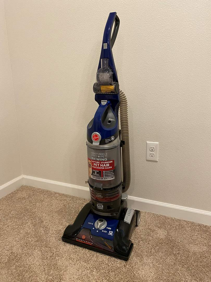 Lot # 204 - Lightly Used Hoover Wind Tunnel 3 Pro-Pet Rewind Vacuum - Works Great (main image)