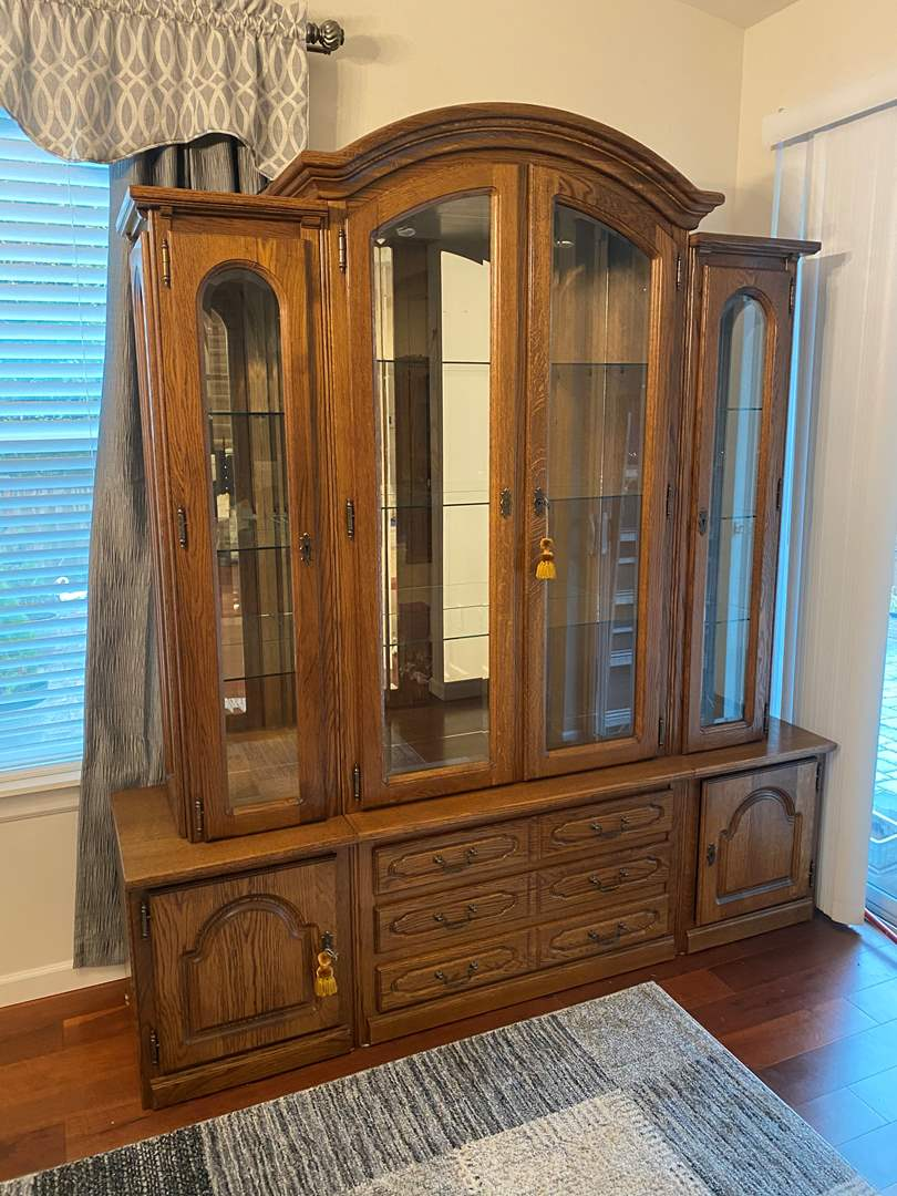 Lot # 239 - Nice Lighted Oak 6-Piece China Cabinet (main image)