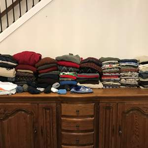 Lot # 227 - Selection of Mens & Women's Clothing - See Pictures for Sizes & Brands