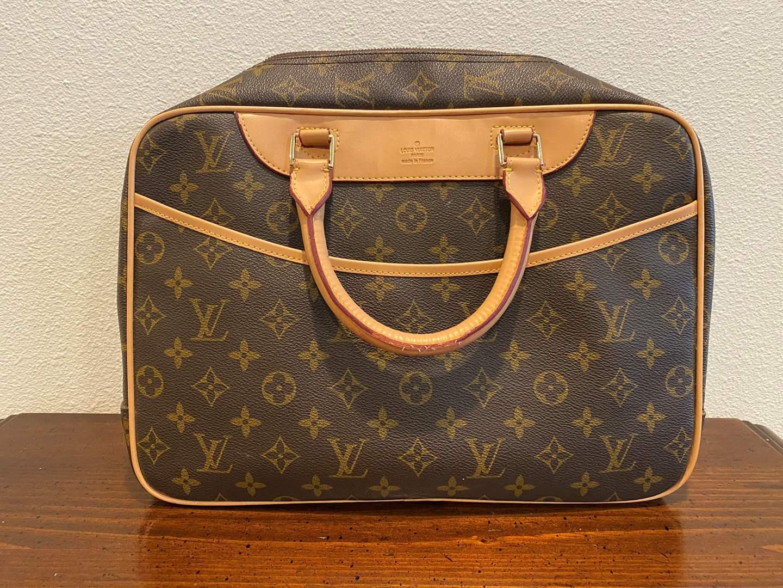 Lot # 261 - Used Louis Vuitton Hand Bag (main image)