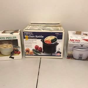 Lot # 280 - New in Box Items: Aroma 4-in-1 Rice Cooker, Presto 6 Quart Kitchen Kettle & Potato Peeler