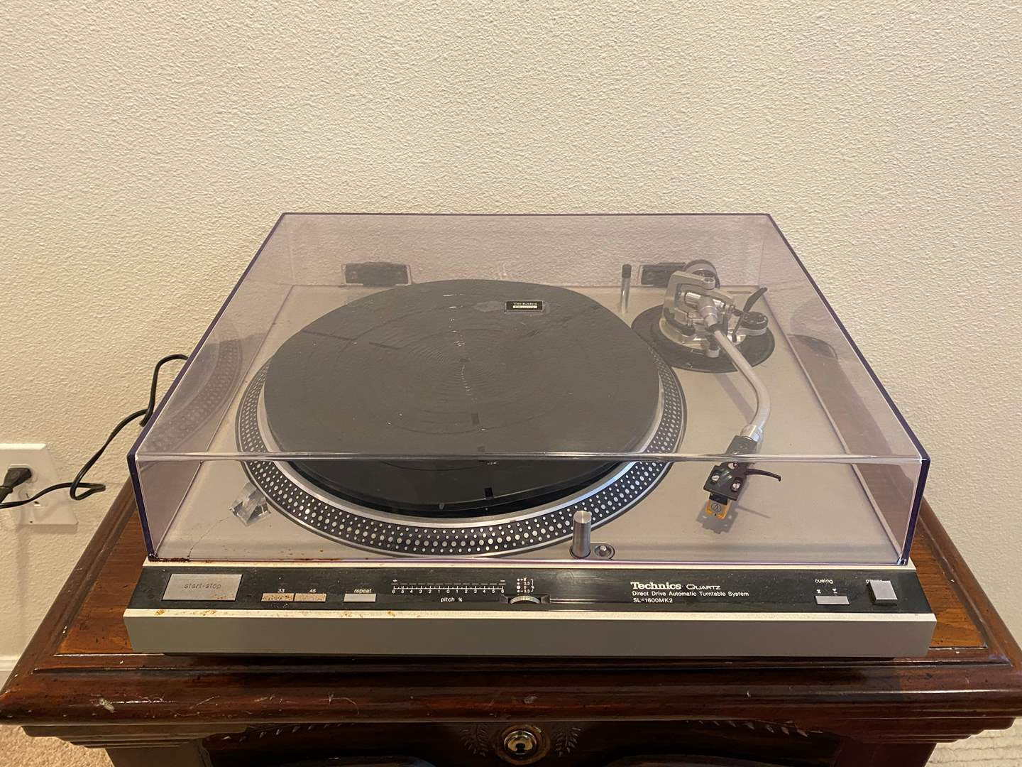 Lot # 271 - Technics Direct Drive Automatic Turntable SL-1600MK2  (main image)