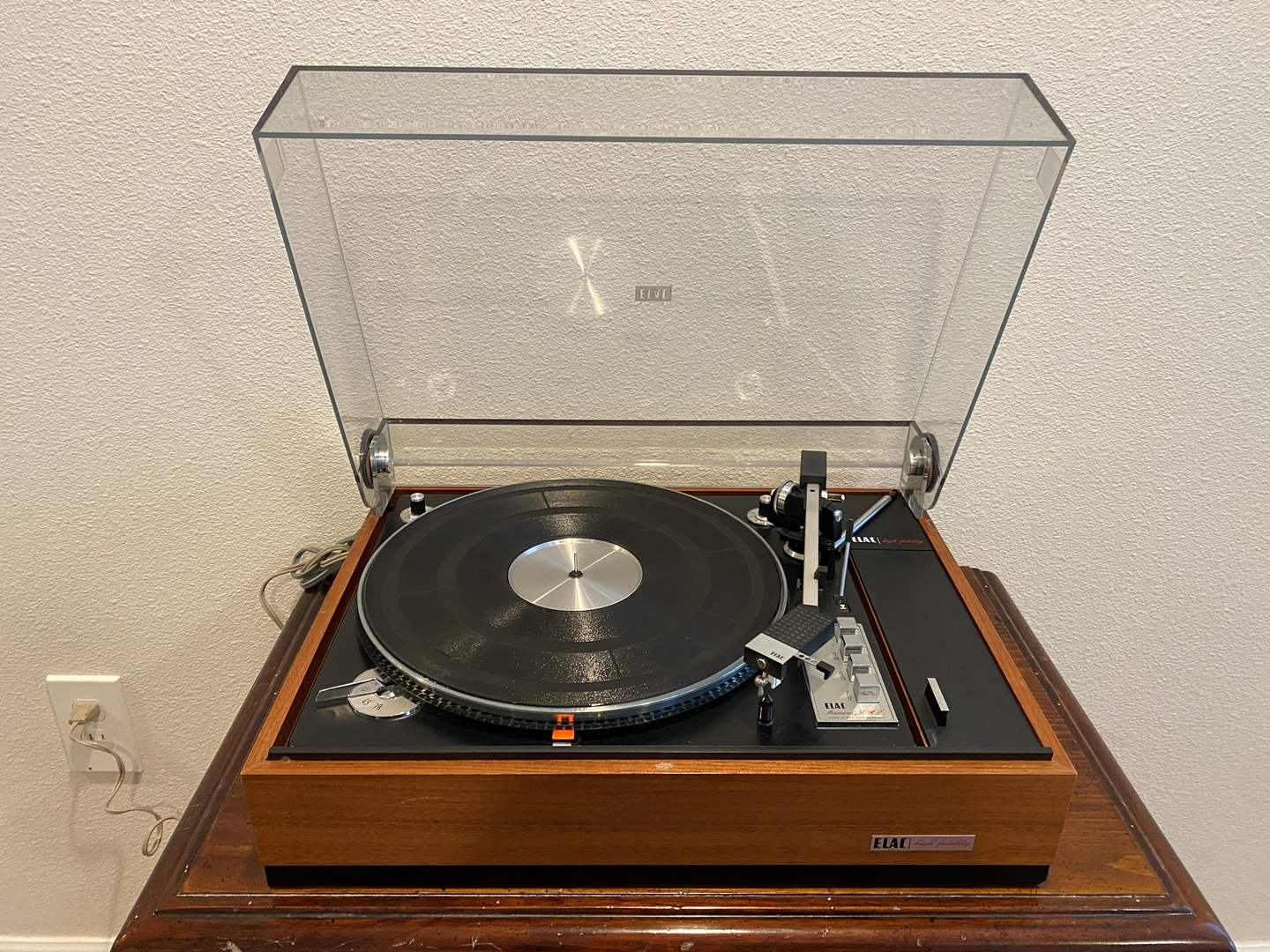 Lot # 272 - ELAC Miracord 50 HII Turntable - Powers On (main image)