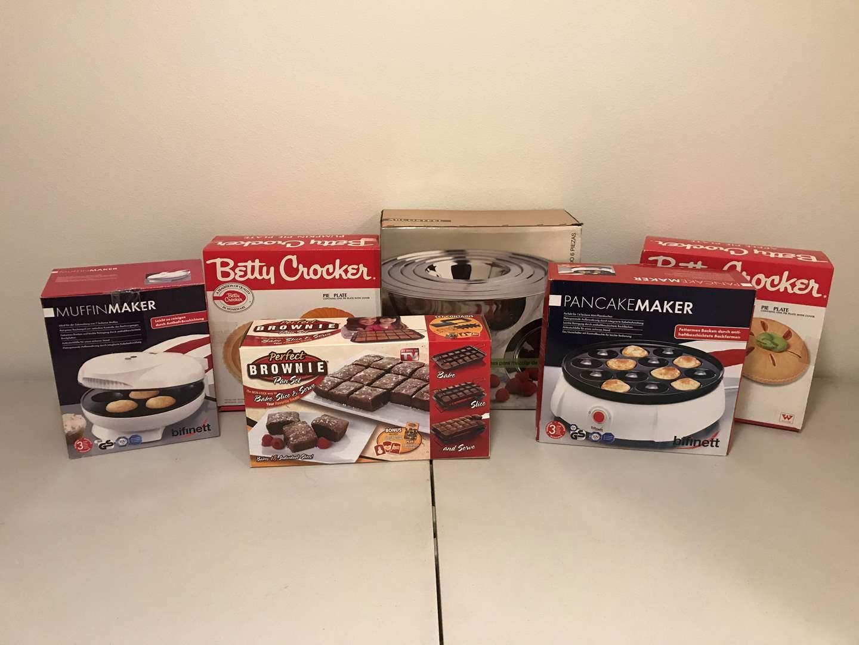 Lot # 289 - New in Box Items: Bifinett Pancake Maker, Betty Crocker Pie Plates, Arcosteel Mixing Bowls & More.. (main image)