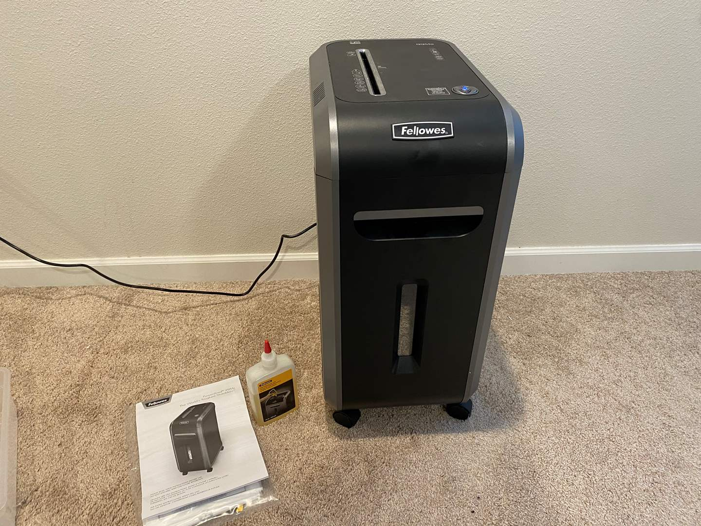 Lot # 309 - Fellowes 99ms Paper Shredder - Works (main image)