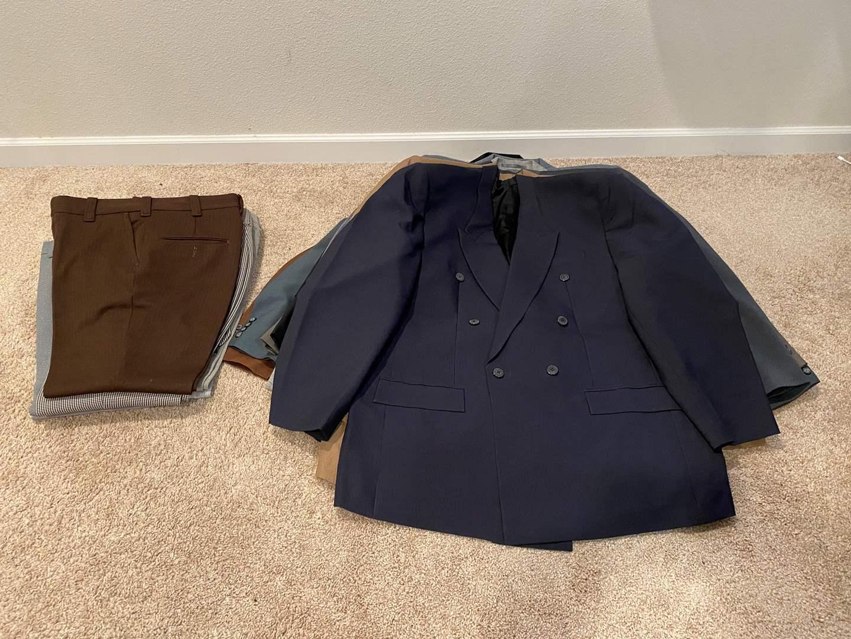 Lot # 316 - Nice Selection of Men's Suit Jackets & Slacks  (main image)