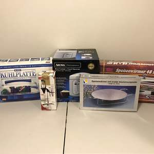 Lot # 337 - New in Box Aroma Rice Cooker, Warming Trays & More..