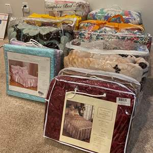 Lot # 352 - New & Used Comforter Sets of Various Sizes - See Pictures for Details