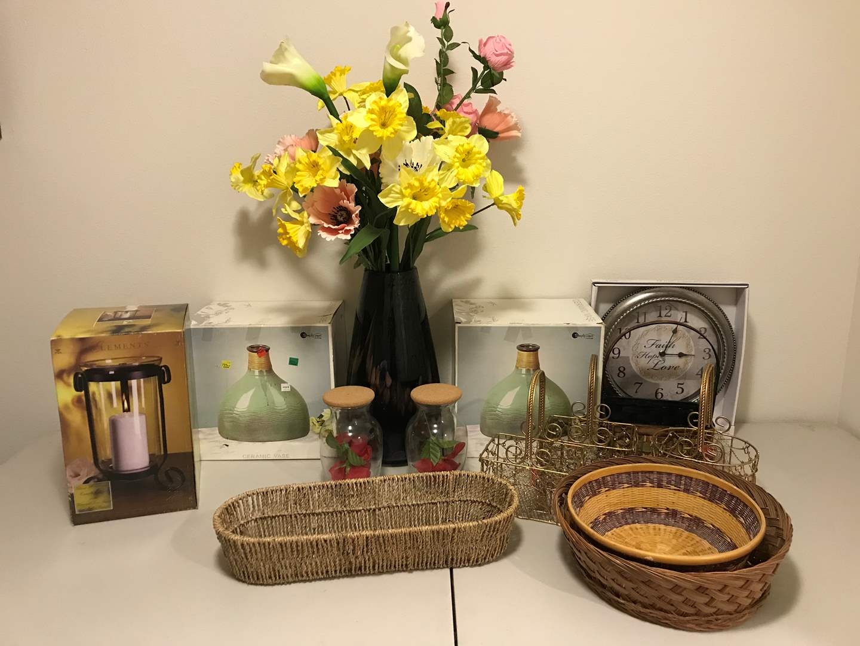 Lot # 340 - Vases, Baskets, Faux Flowers & More.. (main image)