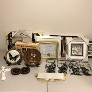 Lot # 343 - Picture Frames & Wall Art