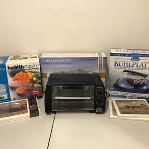 Lot # 332 - New in Box Morphy Richards Steamer & Serving Dish w/Ice Packs, Lightly Used Toaster Oven & Warming Dish