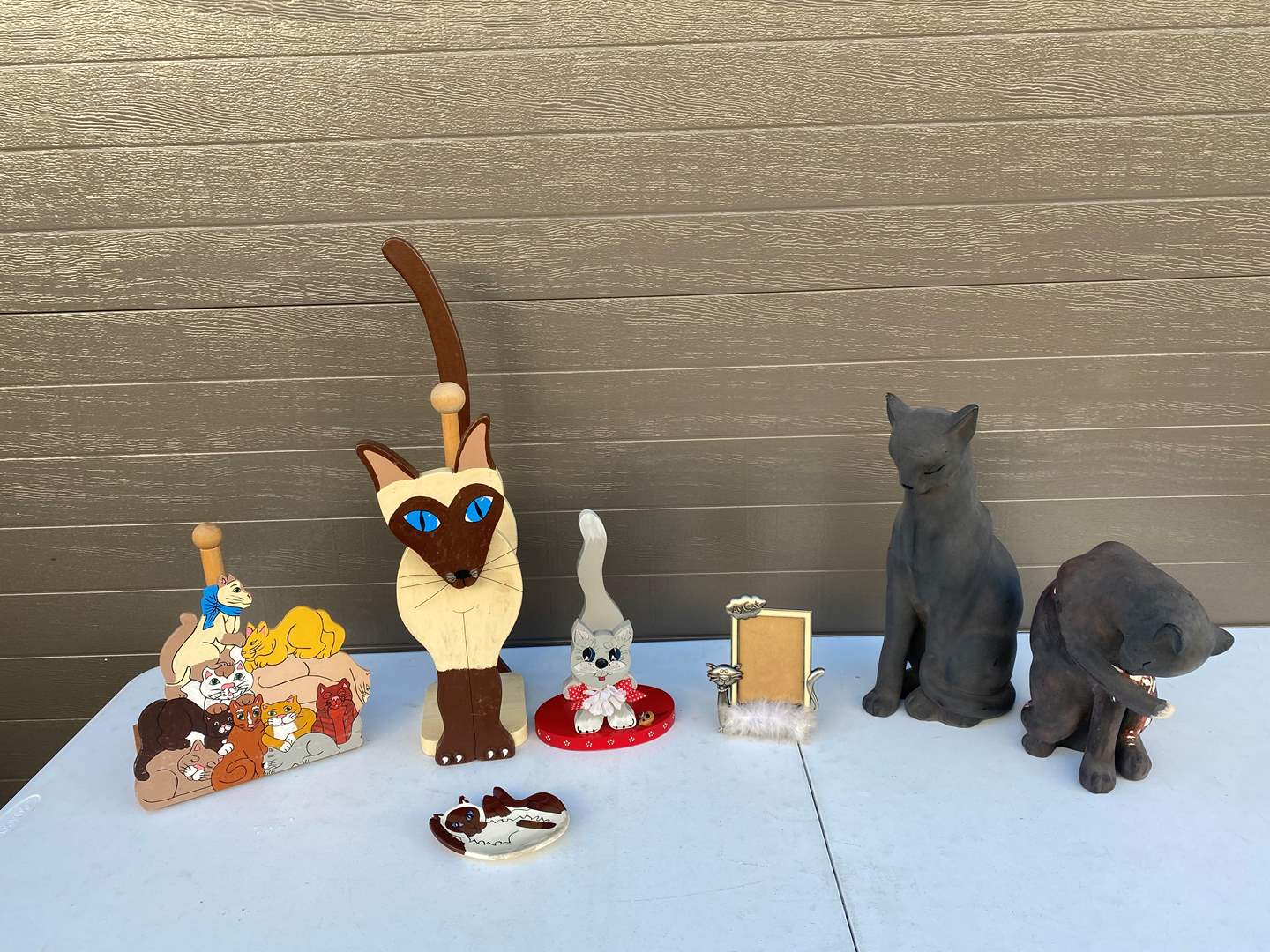 Lot # 74 - Collection of Cat Decor  (main image)