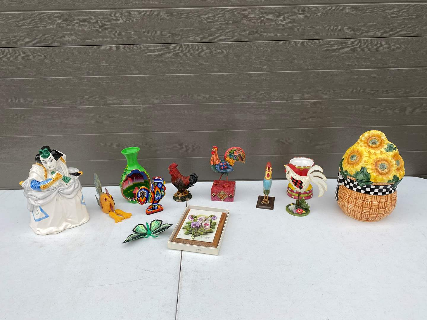Lot # 83 - Kabuki Sigma Japanese Cookie Jar, Sunflower Cookie Jar, Rooster Decor & More.. (main image)