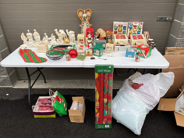 Lot # 93 - Ceramic Nativity Scene, Vintage Christmas Items & More.. (main image)