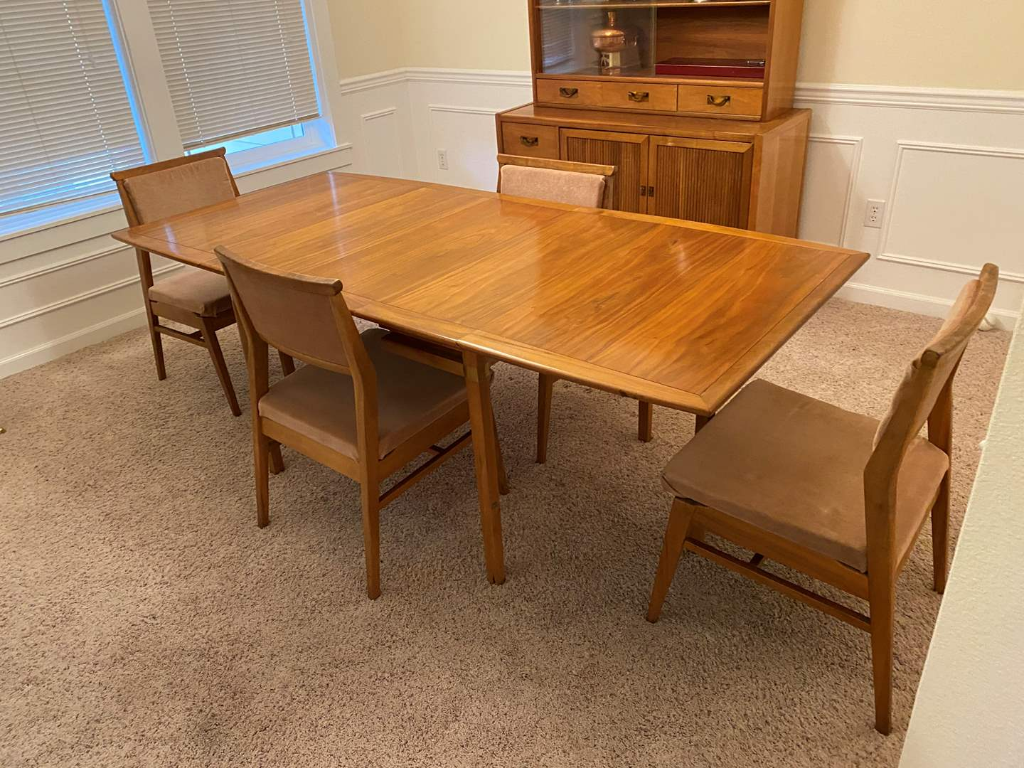 """Lot # 1 - Vintage Mid Century Teak """"Hickory Furniture"""" Tung Si Drop Leaf Dining Room Table w/4 Chairs & One 12"""" Leaf (main image)"""