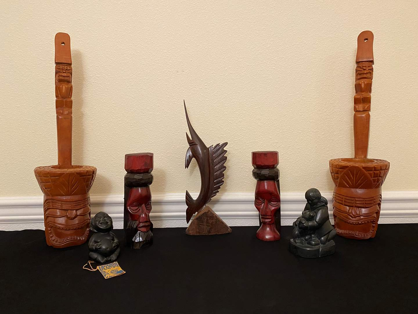 Lot # 20 - Hand Carved Hawaiian, Jamaican & Canadian Wood/Resin Items (main image)