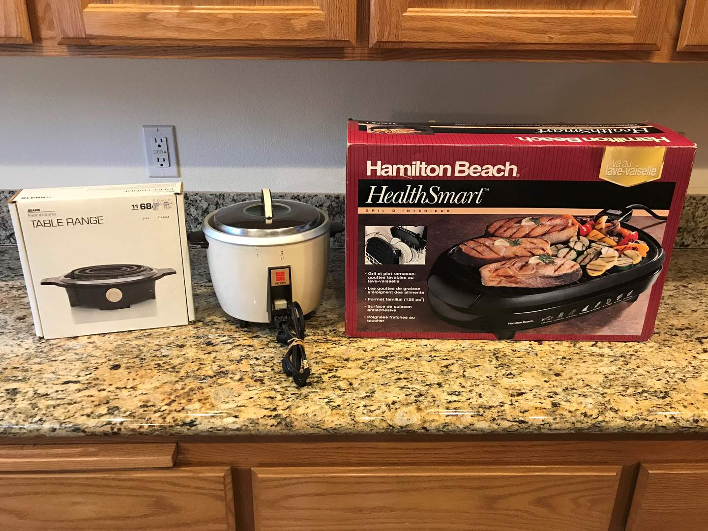 Lot # 62 - Hamilton Beach Electric Grill Lightly Used, Kenmore Table Range, National Rice Cooker (main image)