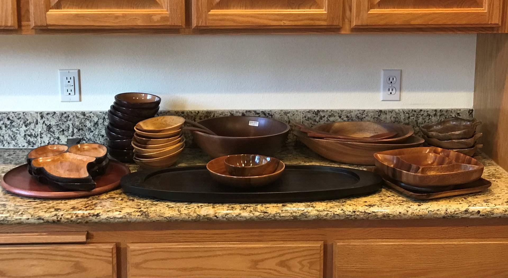 Lot # 77 - Wood Items: Salad Bowls, Serving Platters, Small Bowls (main image)