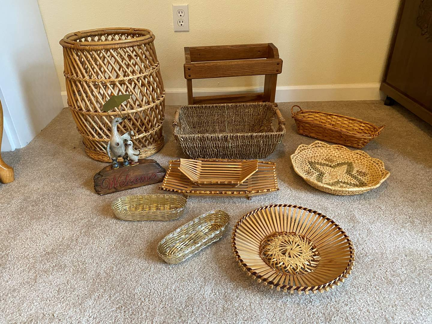 Lot # 156 - Baskets of Various Sizes & More.. (main image)