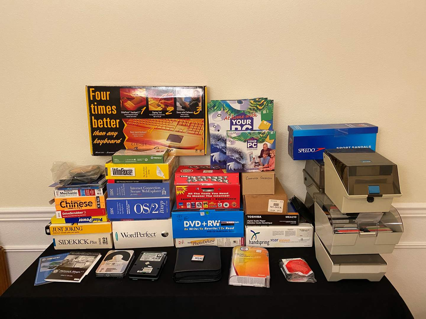 Lot # 160 - Large Selection of Computer Hardware & Software (main image)