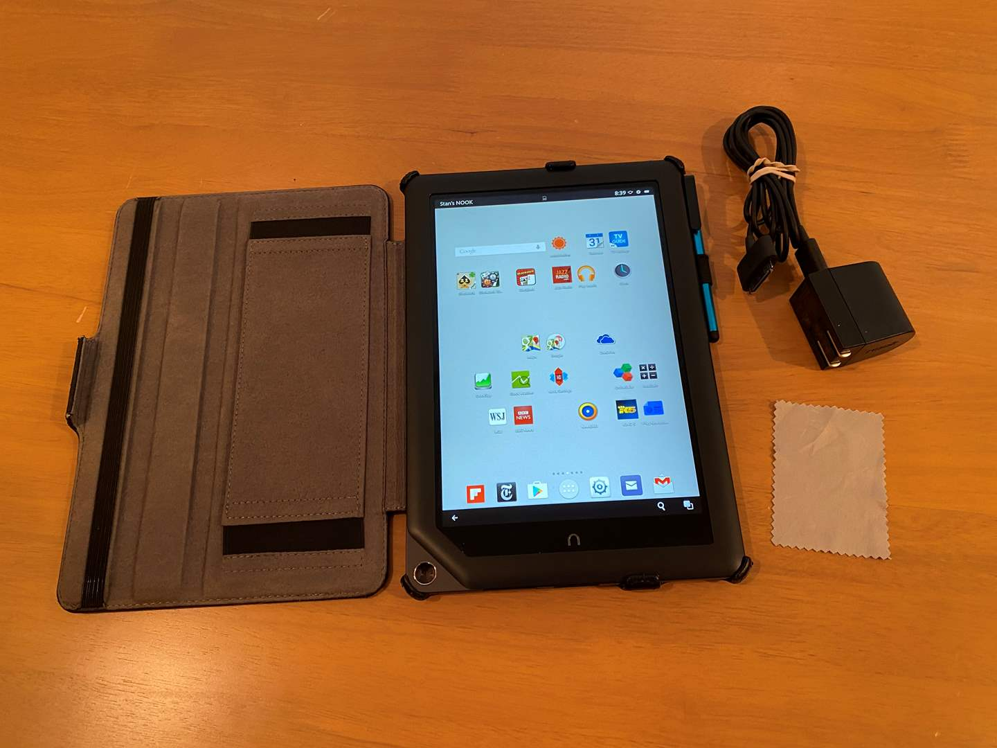 "Lot # 177 - Nice 9"" Nook Tablet - Works  (main image)"