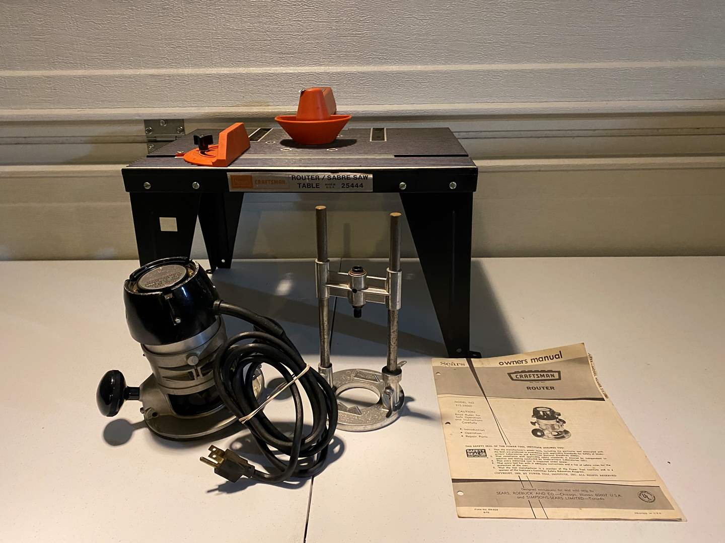 Lot # 321 - Craftsman Router w/Table & Attachments (main image)