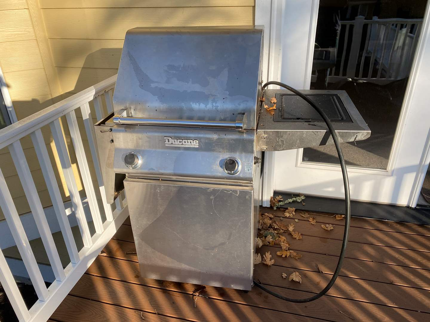Lot # 371 - Ducane Natural Gas Grill  (main image)
